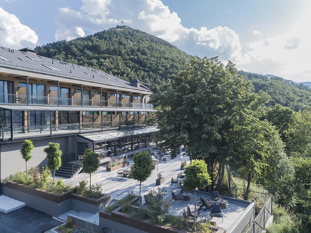 Construction of new hotel and casino in Florina